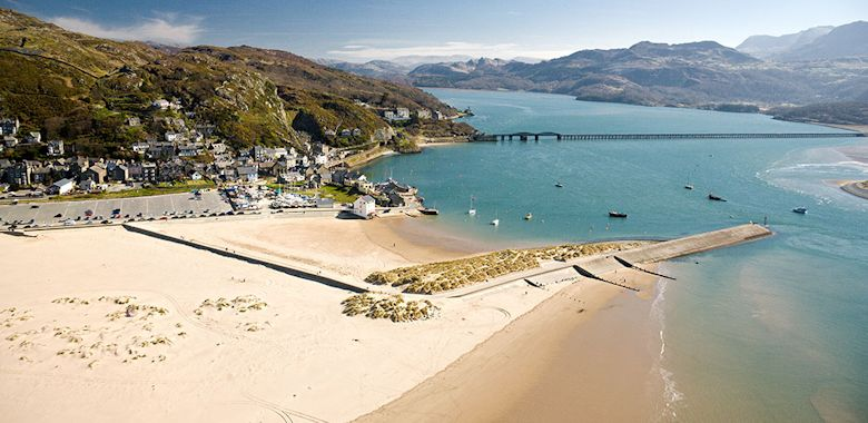 Barmouth Welcomes You